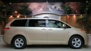 2011 Toyota Sienna LE  EDITION!!  ** LIKE NEW **
