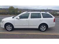2013 SKODA OCTAVIA ELEGANCE 2.0 TDI CR 4X4 4WD WHITE ESTATE 50MPG SPACIOUS FULL MOT