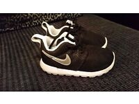 Boys Black Nike Trainers