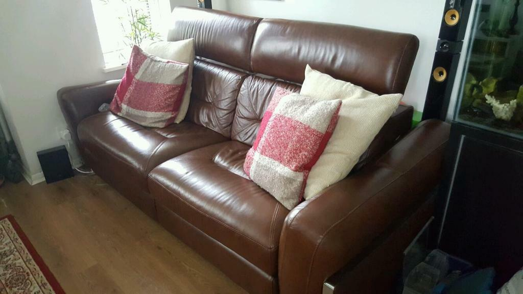 Rrp 2000 Sisi Italia Remo 3 Seater Leather Electric Sofa In Newham - San-remo-contemporary-leather-sofa