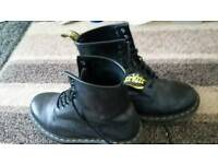 8 hole dm boots