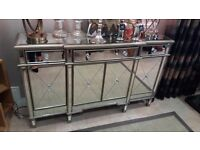 Mirrored console table/sideboard