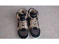Girls Lelli Kelly black and gold trainer boots size 34