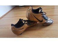 Nice Nike football shoes Size 4