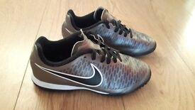 Boys Nike Trainers / Astro Turf size 4