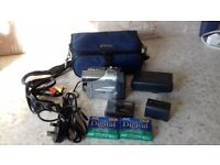 PANASONIC 500X DIGITAL ZOOM VIDEO CAMERA NV-GS1 PLUS 3 NEW MINI TAPES....EXCELLENT CONDITION