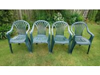4 x green garden chairs. Good condition. Stackable.
