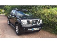 Nissian navara outlaw 2.5 Dci black diesel with a parrot phone!