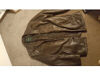 Men's leather jacket. Really warm and very trendy :-) Quilted interior. Canadian design. Size 38