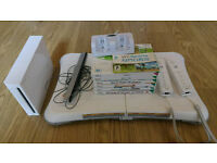 Nintendo Wii Console. Excellent Working Condition with Cables and Sensor Bar.