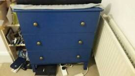 Chest of drawers - excellent condition