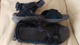 Clarks Shoes Sandels UK Size 9 EU Size 43 Used