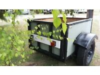 Car trailer with landrover chassis and wheels