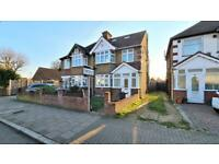 4 bedroom house in Wellington Road South, Hounslow TW4