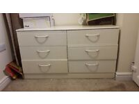 Bedroom drawers in cream colour good condition