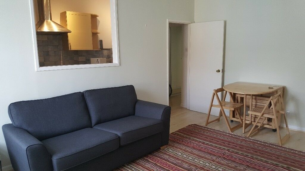 Lovely One Bed Flat For Rent Part Furnished In Clifton