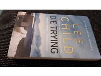Die Trying Jack Reachers 2nd novel by Lee Child good condition paperback.