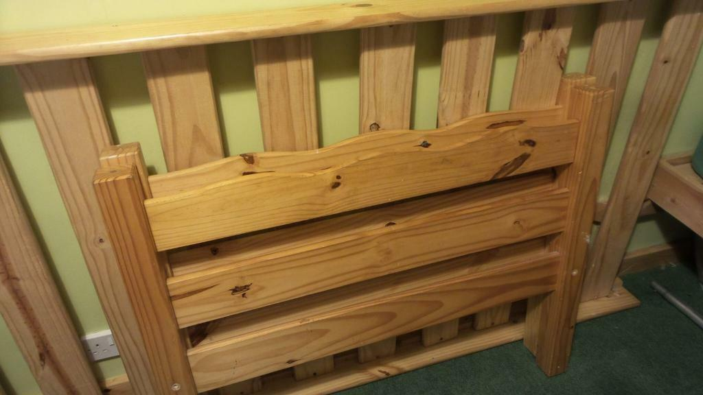 Pine single bed20in Scone, Perth and KinrossGumtree - Pine single bed £20Very sturdy pine bedTel 07955343884Poss local drop off