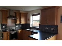 Shaker kitchen incl hob, oven, extractor hood, sink and tap.