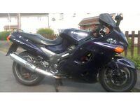 KAWASAKI ZZR 1100 D7 1999 JUST HAD MAJOR SERVICE OVER £1500 FSH RIDES LIKE NEW . NEW TYRES BARGAIN