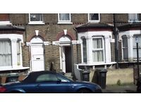 3 BEDROOM HOUSE IN LEWISHAM. DSS WELCOME. TEAM OF BUILDERS WELCOME.