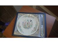 Aynsley cake plate and knife set