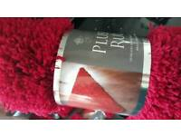 Red shaggy rug Brand New RRP £13