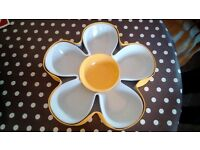Daisy Server With Dip Bowl (Unused and Unwanted gift still in box) Only £10!