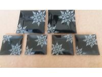 Snowflake plates 2 @ 8 1/2 x8 1/2 and 4 @ 4 1/2 x 4 1/2