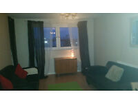 FANTASTIC 3 BED FLAT TO RENT IN DEPTFORD, SE8. PRIVATE N.L.A REGISTERED LANDLORD