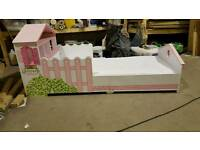 Dollhouse toddler bed and matteress