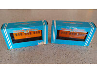 Boxed Hornby 00 Gauge 'Thomas & Friends' series Annie & Clarabel Carriages
