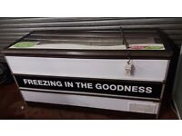 Flat lid Novum 610 litres COMMERCIAL CATERING CHEST FREEZER, good working order, 4 available