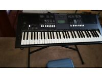 YAMAHA PSR - E423 Electric Keyboard