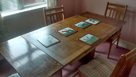 Period expandable dining table