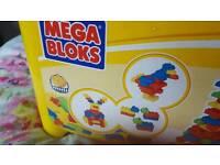 Lego mega bloks 323 pieces