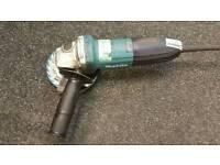 Makita G5034 angle grinder