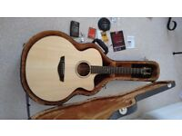 FAITH Natural Jupiter Cutaway - Electro Acoustic Guitar. ONLY BEEN PLAYED FOR A FEW HOURS !!!