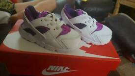 Nike Hurraches 5.5 infant