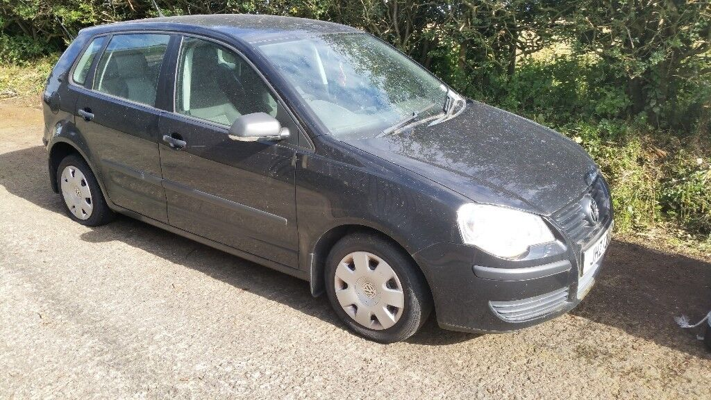 Volkswagen polo 1.2i 2008 breaking for parts.