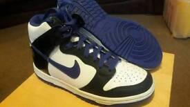Nike hi top Trainers junior size 4