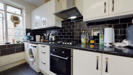 3 bedroom flat in Arbour House, Arbour Square, London E1