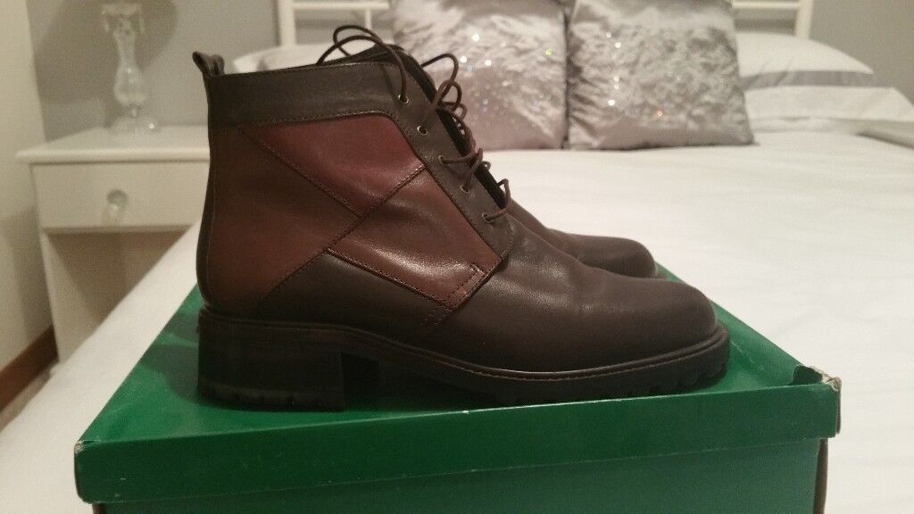 LADIES' LEATHER ANKLE BOOTS - CLARK'S Size 5