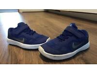 Boys Nike shoes size 8.5 uk
