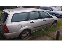 £200 - Ford Focus 2.0 i 16v Ghia 5dr. Quick sale for repair/ spares