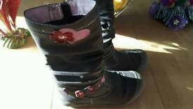Girls Jones winter boots size 1