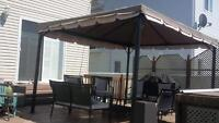 GAZEBO 12X10 + 2 SET DE MOUSTIQUAIRE EN EXCELLENTE CONDITION