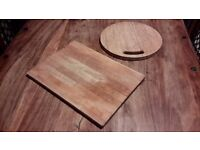 2x wood chopping boards - Good condition