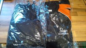Mens goal keeper set top/jumper. And trousers brand new in pack