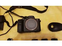 Sony Alpha A7RII 42 MegaPixel ILCE-7RM2 + 128 gb memory card + 3 batteries